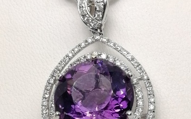 18 kt. Gold - Necklace with pendant - 10.10 ct Amethyst - Diamonds