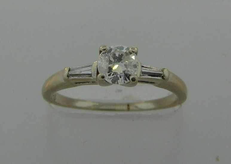 Classy DIAMOND WHITE GOLD SOLITAIRE RING Engagement