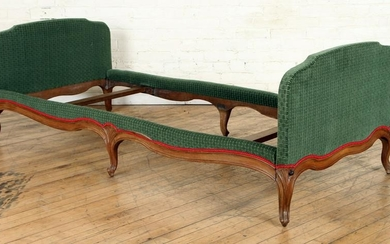 FRENCH LOUIS XV STYLE DAY BED SIX LEGS C.1920