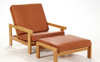 H. J. Wegner. Lounge chair with stool, reupholstered, model GE-412 (2)