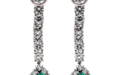 Pair of white gold earrings adorned with a diamond holding a removable drop of diamonds ending in a pear cut emerald surrounded by brilliants - Gross weight: 12 g
