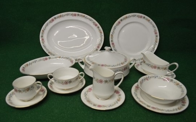 Paragon Belinda pattern tea and dinner service to comprise: ...