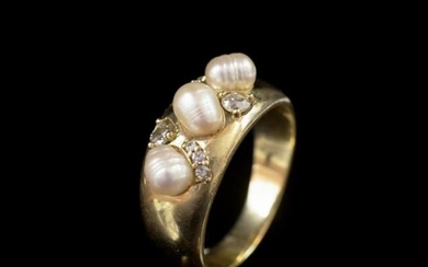 Pearl, diamond and sapphire set yellow gold ring marked 375 ...
