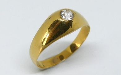 RING yellow gold ring set with a diamond mass. Gross weight 4.1 g TDD 61