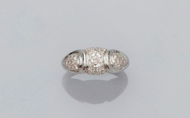Ring ring in rhodium-plated yellow gold, 750 MM, covered with brilliant-cut diamonds, size: 52, weight: 3.7gr. rough.