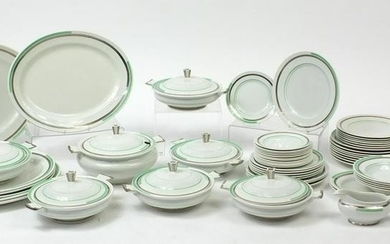 Shelley Eve dinnerware comprising seven lidded tureens
