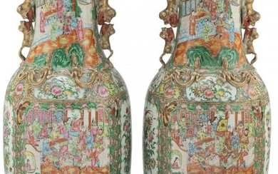 61010: A Pair of Large Chinese Rose Medallion Porcelain