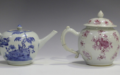 A Chinese blue and white export porcelain teapot and cover, Qianlong period, the globular body paint