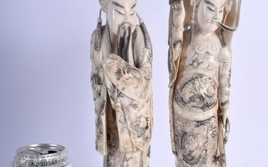 A LARGE PAIR OF EARLY 20TH CENTURY CHINESE CARVED bone