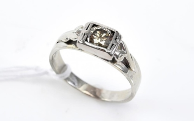 A SOLITAIRE COGNAC DIAMOND RING OF 0.58CTS IN 18CT WHITE GOLD, SIZE O