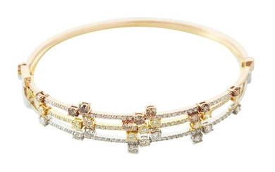 A TRIO OF COLOURED DIAMOND AND DIAMOND BANGLES IN 18CT TRI-COLOURED GOLD, COMPRISING THREE HINGED BANGLES SET WITH DIAMONDS TOTALLIN...
