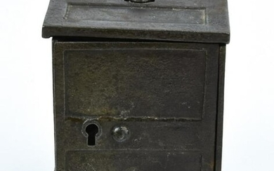 Antique 19th C Cast Iron Child's Toy Safe Bank