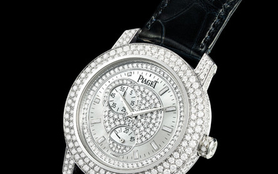 PIAGET. A FINE AND RARE 18K WHITE GOLD AND DIAMOND-SET AUTOMATIC WRISTWATCH WITH POWER RESERVE AND MOTHER-OF-PEARL DIAL, SIGNED PIAGET, REF. 3621, CASE NO. 895'901, CIRCA 2003
