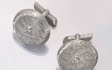 Pair of 14 kt gold cuff links...
