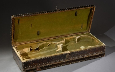 Rare 18th century double violin box, wooden and leather model studded on all four sides, green velvet interior; space for two bows; guilloche bronze clasp, the lower part of the box opens, designed to hold scores, central drawer for keys, accessories...