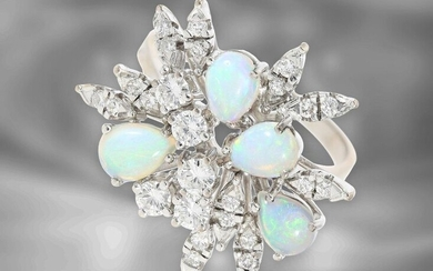 Ring: very attractive vintage goldsmith's ring with opals and diamonds totalling approx. 0.85ct, 14K white gold