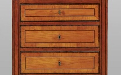 Small chest of drawers with three drawers paved in cherry wood and filleted in Tuscan maple wood sec.XIXcm