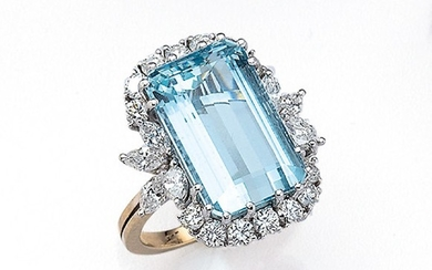 14 kt gold ring with aquamarine and...