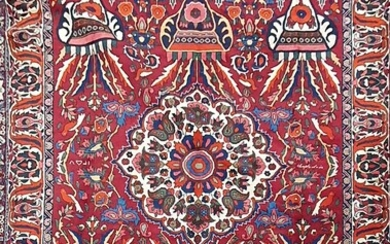 A HAND KNOTTED PURE WOOL PERSIAN BAKHTIARI