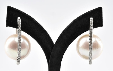 A PAIR OF CULTURED PEARL AND DIAMOND EARRINGS IN 18CT WHITE GOLD, APPROXIMATE TOTAL DIAMOND WEIGHT 1.15CTS