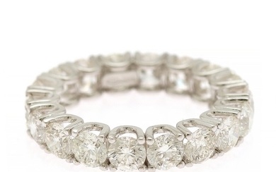 A diamond eternity ring set with numerous brilliant-cut diamonds totalling app. 5.50 ct., mounted in 18k white gold. G-H/VS-P1. Size 55.