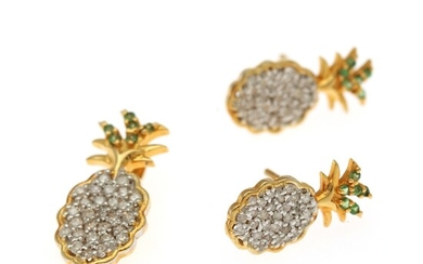 A jewellery set in the shape of pineapples comprising a pendant and a pair of ear studs set with numerous diamonds and tsavorites, mounted in 14k gold. (3)