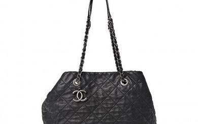 Chanel - Iridescent Calfskin Quilted Large VIP Tote Black Clutch bag