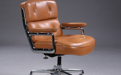 Charles Eames. Vintage office chair. Time-Life Lobby Chair, cognac-coloured leather