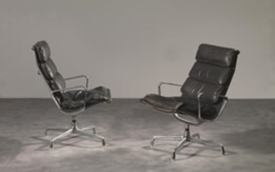 Charles and Ray Eames Coppia di poltrone TIME-LIFE imbottite...