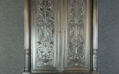 Collector's cabinet in blackened wood - Renaissance Style