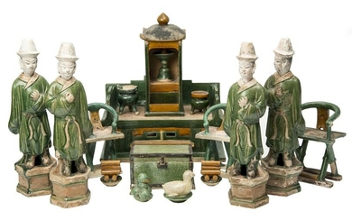 Funerary ensemble of 17 Pieces in Green and Enamel over