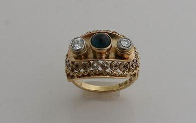 Generous yellow gold ring, 585/000, with diamond and
