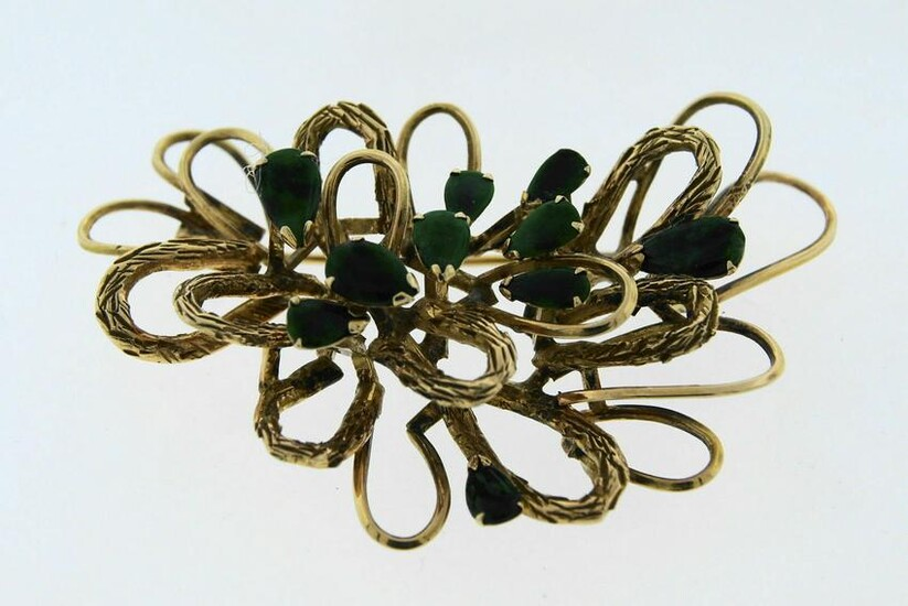 LOVELY 14k Yellow Gold & Jade Pin Circa 1950s