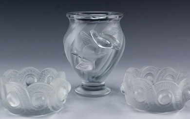 Lot of LALIQUE French Crystal Bows & Dove Vase