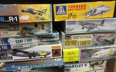 Quantity of Matchbox boxed aircraft construction kits togeth...