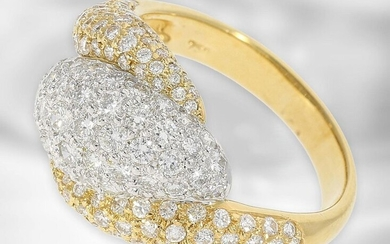 Ring: very decorative yellow gold/platinum ring with diamonds,...
