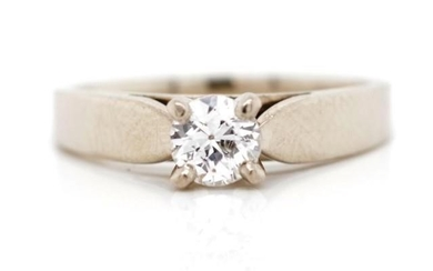 Solitaire diamond and 18ct white gold ring rubbed marks appr...