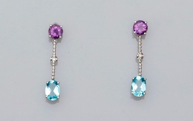Thin earrings in white gold, 750 MM, each adorned with a round amethyst, a diamond pattern with a blue topaz, length about 2 cm, weight: 2.8gr. rough.