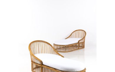 Travail italien (XX) Pair of daybeds Rattan and fabric Creation date: circa 1950-1960 H 86×L 182×P 87 cm