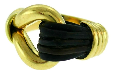 VAN CLEEF & ARPELS Yellow Gold RING Authentic VCA