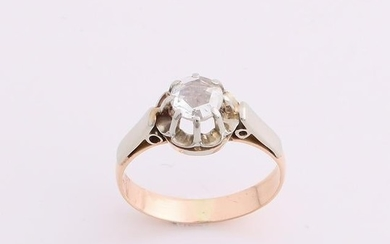 Yellow gold solitaire ring, 585/000, with diamond. Ring