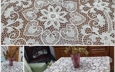 beautiful Burano lace table cover (1) - burano lace - 1960