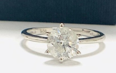 1.72ct diamond aolitaire ring set in 18ct white...