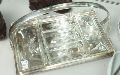 A VINTAGE SILVER PLATE HORS D'OEUVRES TRAY, 42 X 27CM, LEONARD JOEL LOCAL DELIVERY SIZE: SMALL