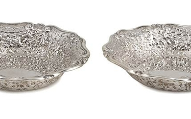 A pair of English Victorian sterling silver bowl - London...