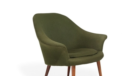 Danish furniture deisgn: Easy chair with teak legs, upholstered with green fabric. 1950–60s.