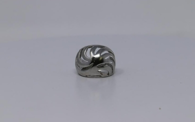Ladies Solid 925 Silver Ring.