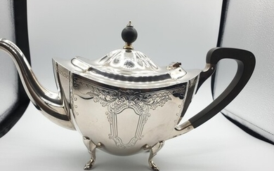 Silver teapot with clear Barker Brothers of Birmingham hallm...