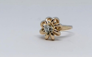 Yellow gold and diamond ring Circa 1940