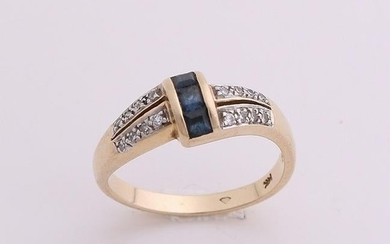 Yellow gold ring, 585/000, with diamond and sapphire. A
